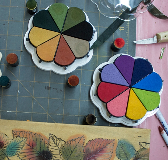 Walnut Hollow Crafts | Use Ink to Color in the Leaves