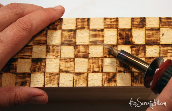 Creating a checkerboard pattern with a wood burning tool by Walnut Hollow • AtopSerenityHill.com