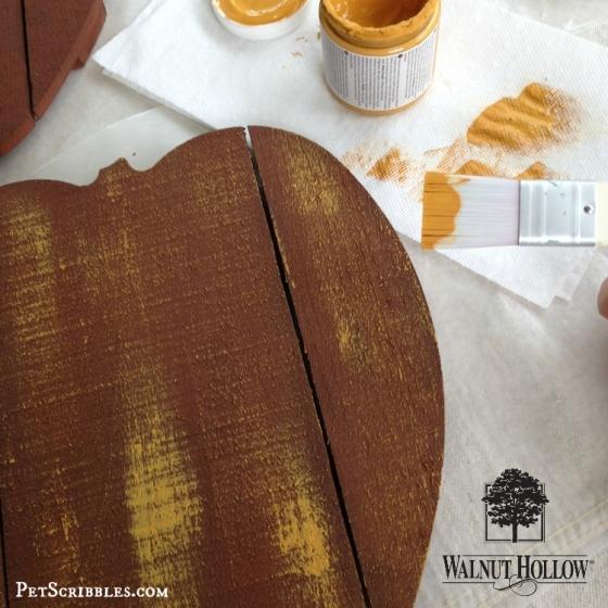 rustic wood pumpkin pallet
