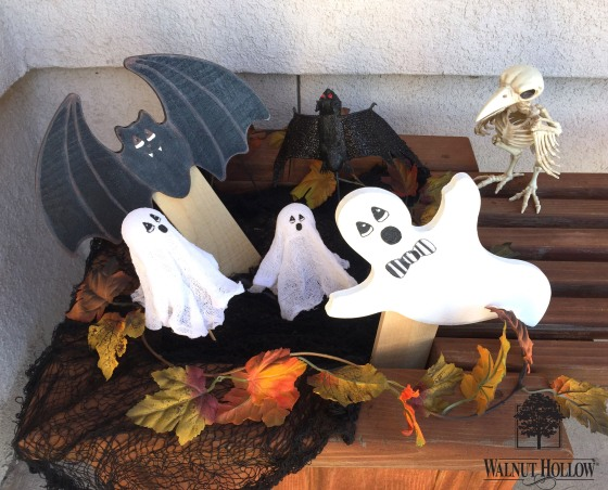 Walnut Hollow Halloween Signs Bat and Ghost