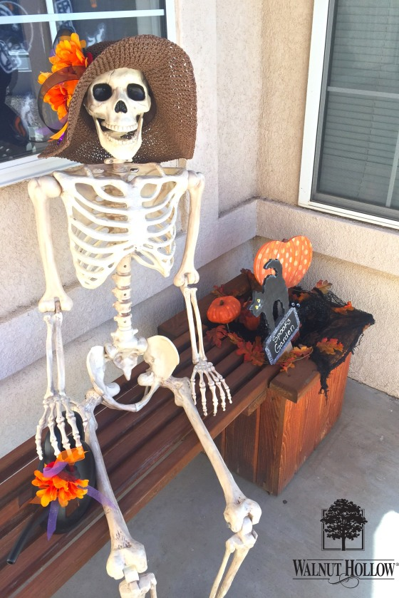 Walnut Hollow Wood Halloween Signs Spooks Garden