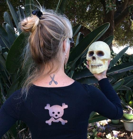 sizzix die cut skull shirt halloween girard