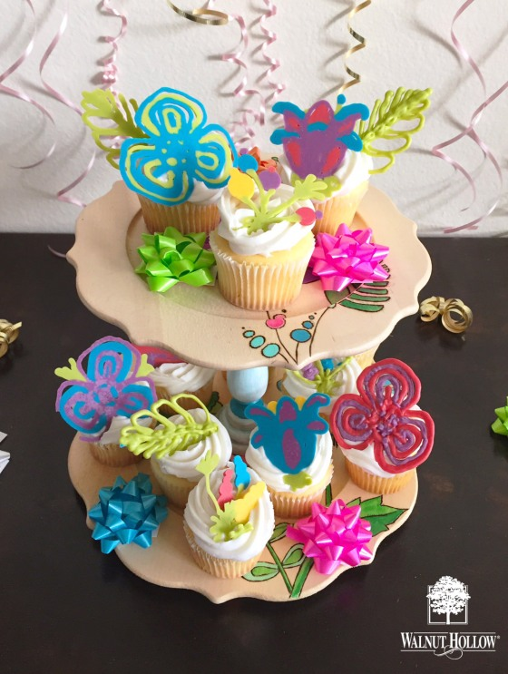 Walnut Hollow Coloring Book Cupcake Stand