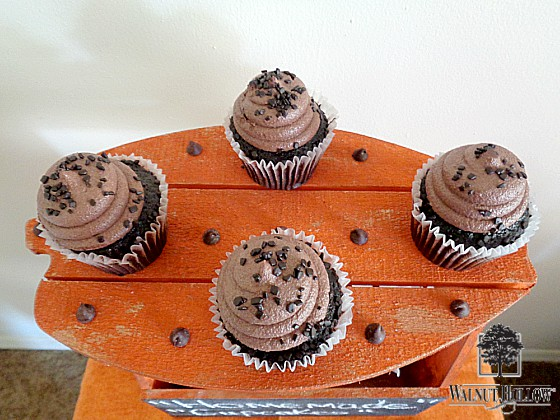 diy-pumpkin-chalkboard-cake-plate-2