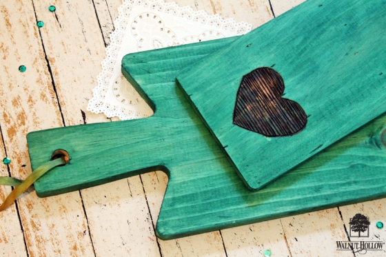 walnut-hollow-color-stained-bread-board-gifts-3