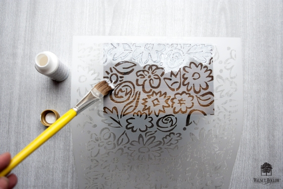 Stenciled Flowers on the Recipe Box
