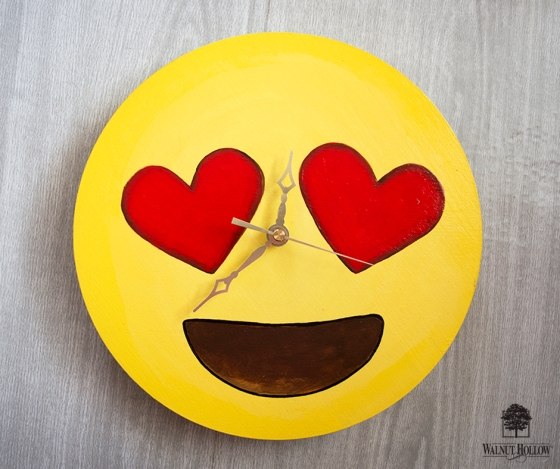 Heart Face Emoji Clock