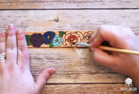 Paint the Branded Leather Bracelet