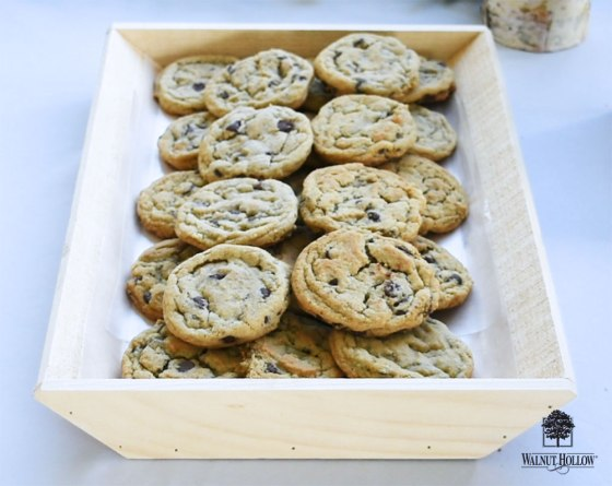 Rustic Angled Trays with Wax Paper were great for holding food.