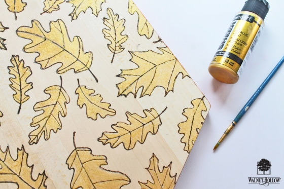 Make your own Wood Burned Placemats for Thanksgiving using the NEW Creative Woodburner tool by @walnuthollow and this tutorial by @studiokatie!